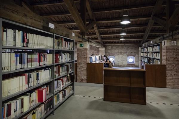 BIBLIOTECA ECONOMICA Verona